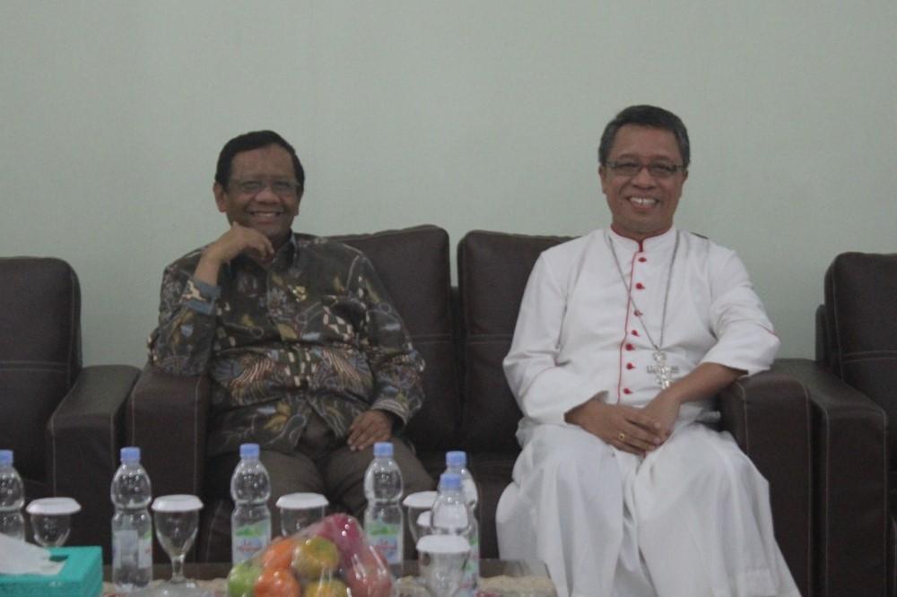 Menteri Dalam Negeri Hadir Bagi Keuskupan Pangkalpinang
