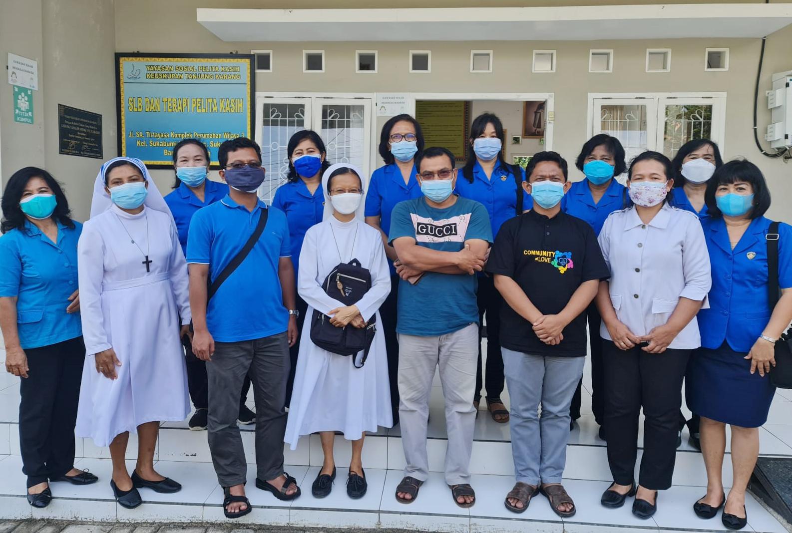 WKRI Tanjungkarang Kunjungi Pelita Kasih